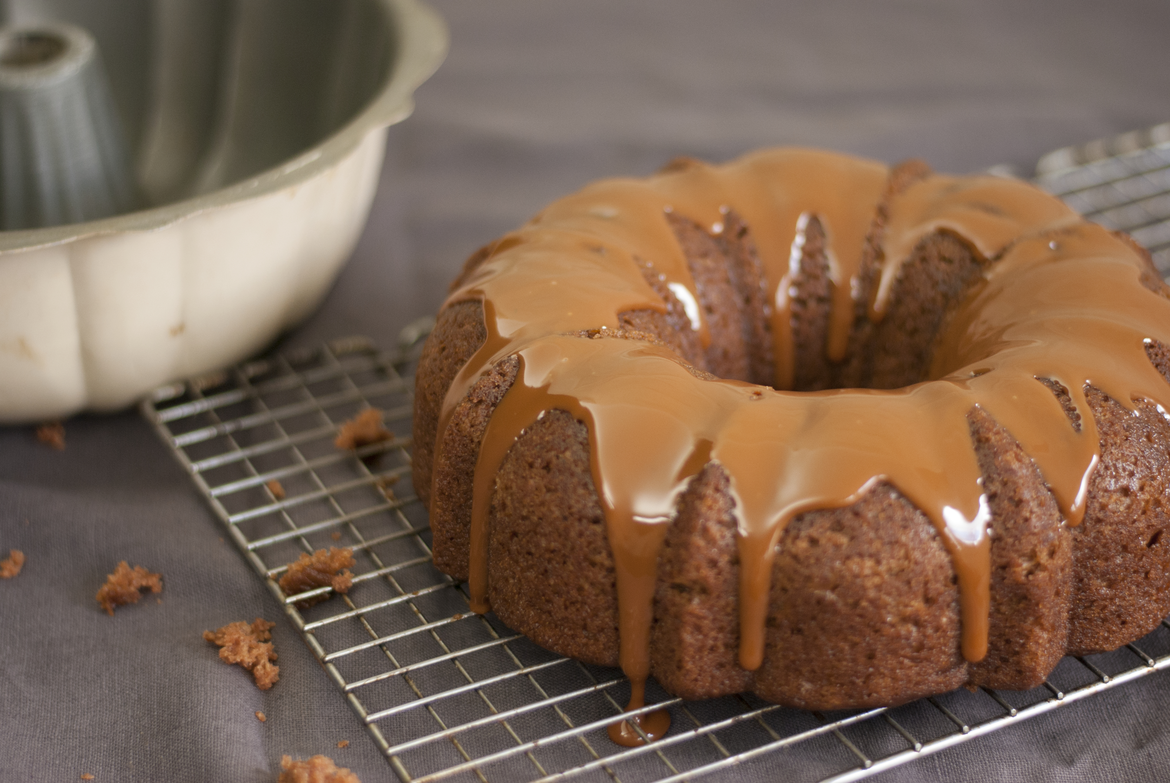 applesauce-cake-with-caramel-1.jpg